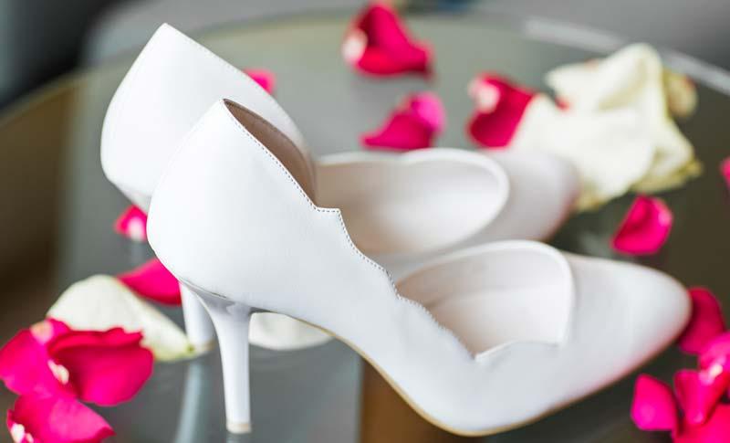 pantofi albi eleganti